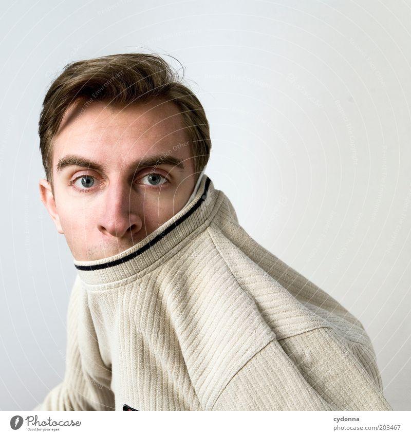 [!7OO] Warm anziehen! Lifestyle Leben Mensch Junger Mann Jugendliche Kopf Gesicht 18-30 Jahre Erwachsene Identität Lebensfreude Mode Bekleidung Überraschung