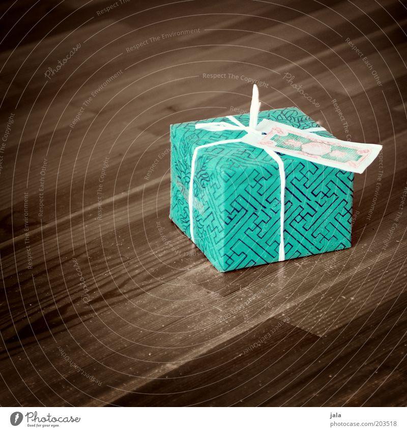 happy birthday, speedy schön grün Freude braun Geburtstag Geschenk Bodenbelag türkis Jubiläum Überraschung Parkett Schachtel Verpackung Vorfreude verpackt