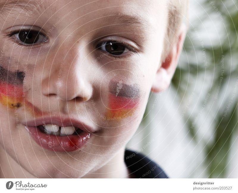 """""""Hast du schon gewusst … Kind Gesicht Auge Junge Sport Deutschland dreckig Kindheit Mund Nase Hoffnung Zähne Deutsche Flagge Vertrauen Leidenschaft Schminke"""