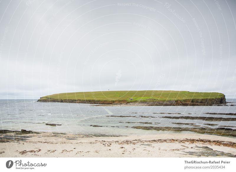 Insel Umwelt Natur Landschaft Wasser grau grün schwarz Haus Weide Meer Wolken Sand Strand Ferne Orkney Islands Farbfoto Außenaufnahme Menschenleer