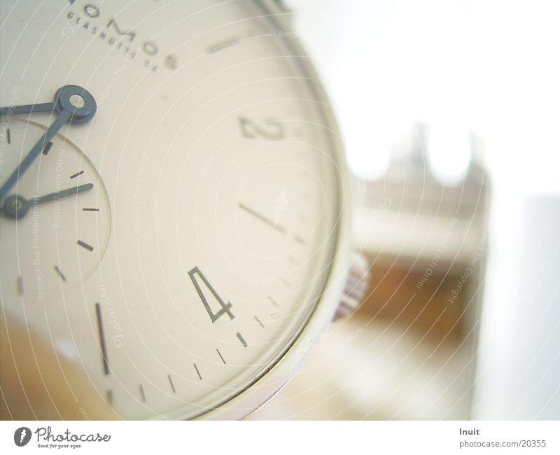 Uhr 01 Armbanduhr Zeit Glashütte Elektrisches Gerät Technik & Technologie Nahaufnahme NOMOS