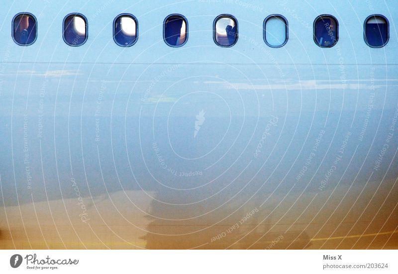 Flugzeug Ferien & Urlaub & Reisen Fenster Verkehr Verkehrsmittel Luftverkehr Passagierflugzeug Flughafen fliegen Flugzeugfenster Flugzeugteile Farbfoto