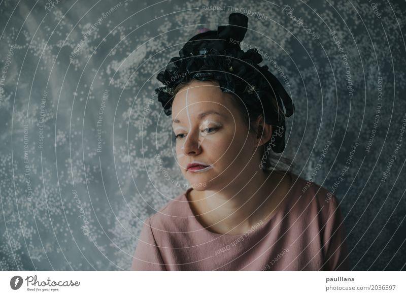 verrückte Mode Frau blau schön Gesicht Erwachsene Leben feminin Stil Kunst Kopf Design elegant Haut fantastisch