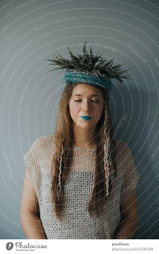 verrückte Mode elegant Stil Design schön Haare & Frisuren Gesicht Schminke Frau Erwachsene Jugendliche Körper Kopf Kunst Kunstwerk Bekleidung Accessoire brünett