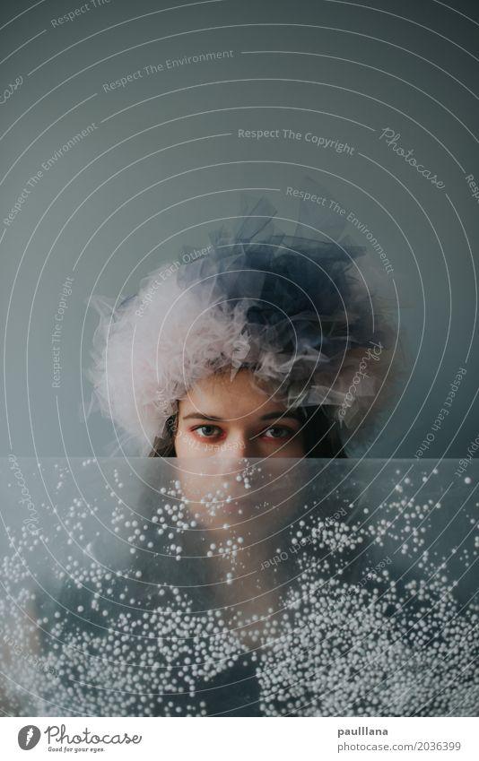 verrückte Mode elegant Stil Design schön Schminke Modellbau Handarbeit Frau Erwachsene Leben Kopf Gesicht Auge 18-30 Jahre Jugendliche Kunst Künstler Accessoire