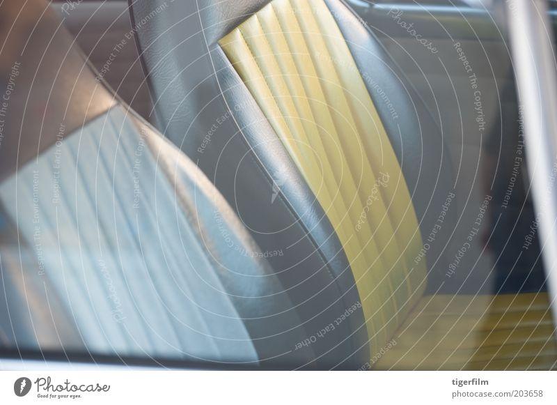 blau Ferien & Urlaub & Reisen gelb Farbe Fenster PKW Verkehr Coolness Streifen Innenarchitektur Quadrat Leder Geborgenheit schick zurück
