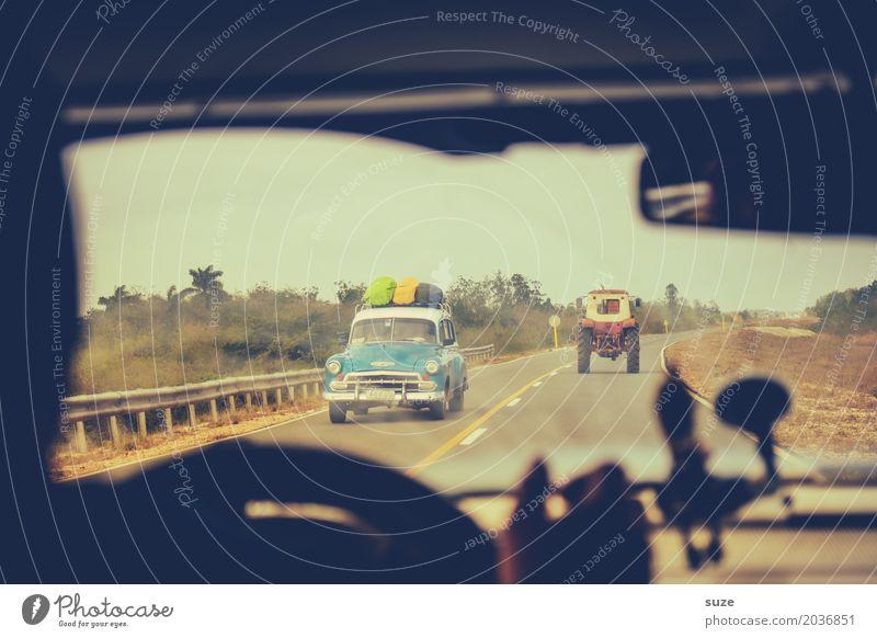 Reisezeit Ferien & Urlaub & Reisen Straße Zeit PKW retro Vergänglichkeit Vergangenheit Sommerurlaub Flair Verkehrswege Kuba ländlich Verkehrsmittel Oldtimer