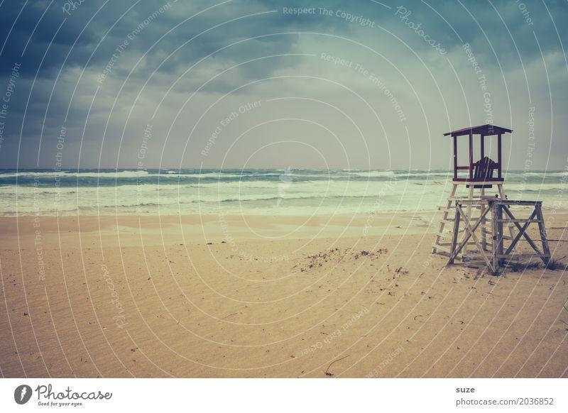 Keine Rettung in Sicht Himmel Ferien & Urlaub & Reisen Natur Sommer blau Landschaft Meer Wolken Einsamkeit Strand Umwelt Küste Sand Wetter Wind Sommerurlaub
