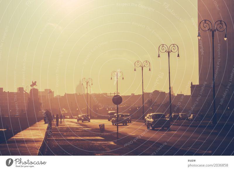 Der Tag ruft Ferien & Urlaub & Reisen Freiheit Städtereise Haus Küste Bucht Stadt Hauptstadt Skyline Mauer Wand Verkehr Straße PKW Taxi Oldtimer außergewöhnlich
