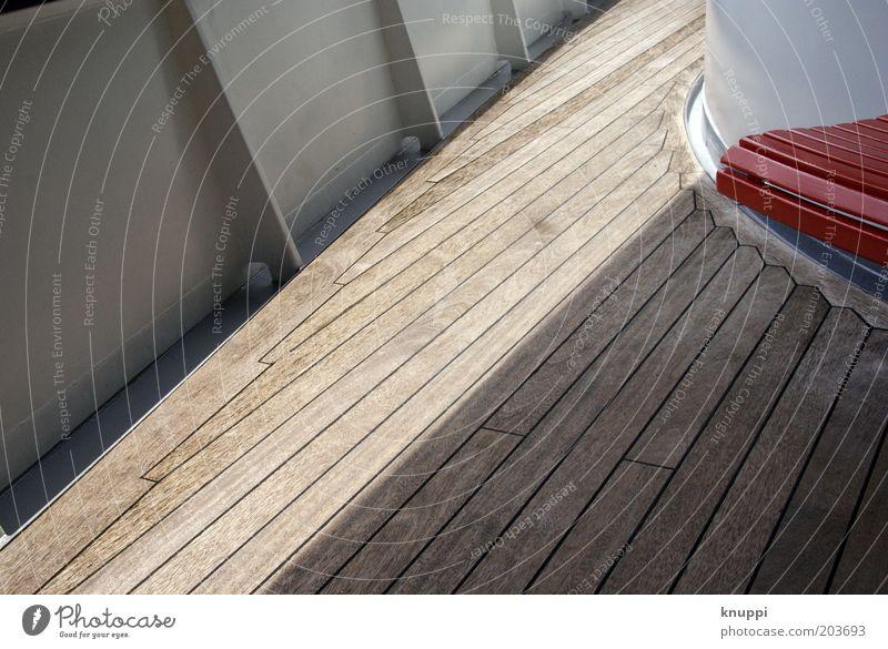 Kreuzfahrt II weiß rot Ferien & Urlaub & Reisen ruhig braun Ausflug Tourismus Reling Schiffsplanken An Bord