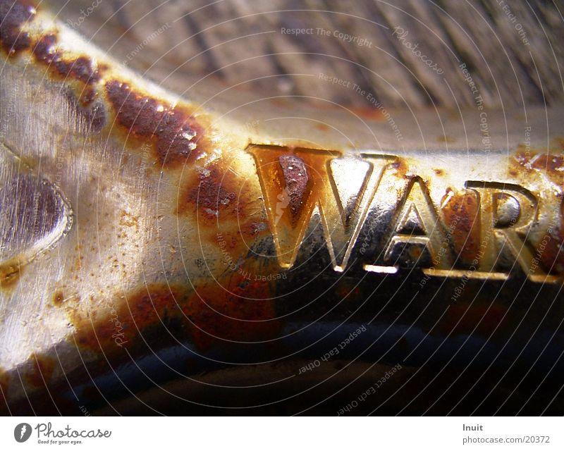 War Frieden Bier Rost Krieg obskur Blech Flaschenöffner