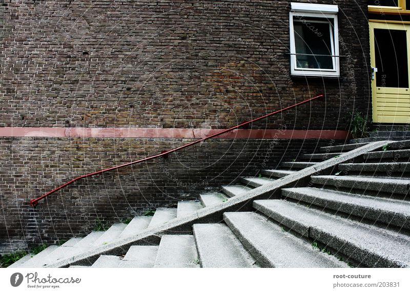 Street Stock rot Haus Wand Fenster grau Mauer Stein Gebäude Linie braun Tür Beton Treppe Wachstum planen Ziel