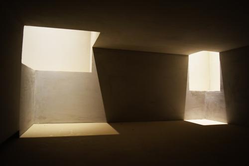 Light is Architecture weiß Erholung Einsamkeit Ferne dunkel schwarz Religion & Glaube Architektur kalt Kunst Design modern ästhetisch Kreativität Perspektive