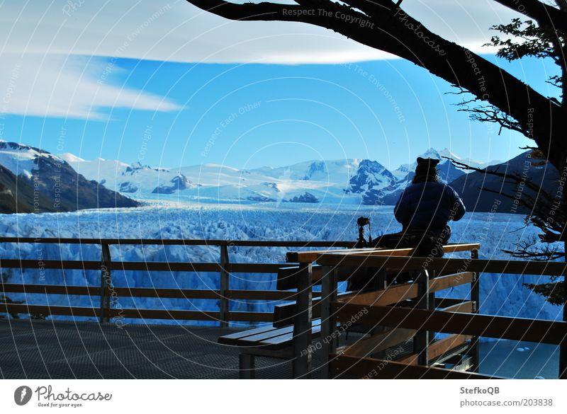 Ruhe vor dem nächsten Gletcherfall Mensch Mann Natur weiß blau Winter kalt Schnee Erholung Berge u. Gebirge Freiheit Glück träumen Landschaft Erwachsene