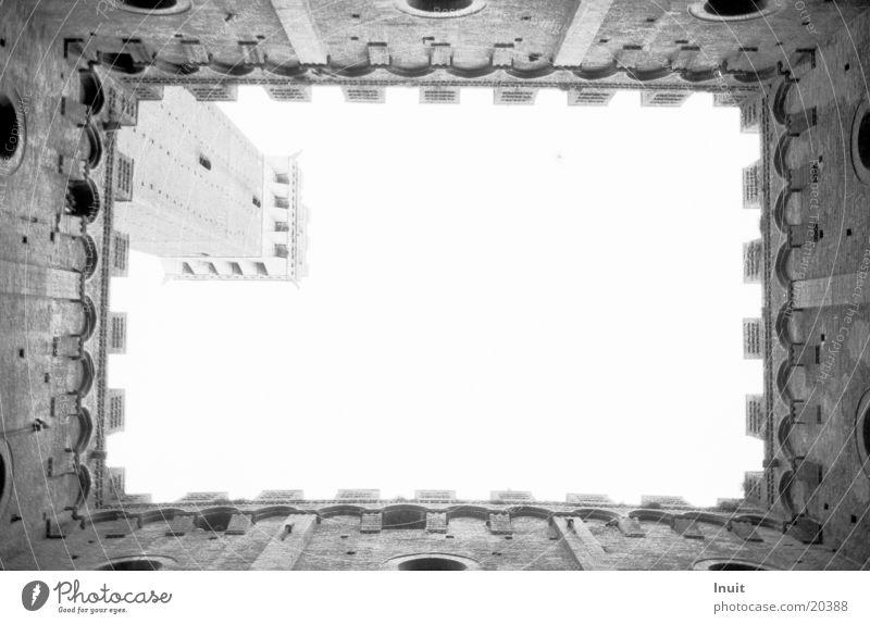 Himmelwärts Mauer Architektur Italien Toskana Zinnen Siena