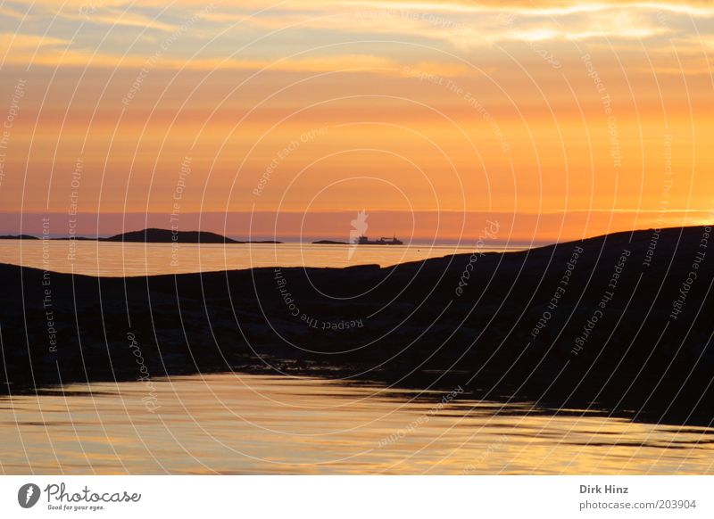Norwegischer Sonnenuntergang Himmel Natur Ferien & Urlaub & Reisen Sommer Wasser Erholung Meer Einsamkeit Landschaft ruhig Ferne Umwelt Gefühle Küste Freiheit