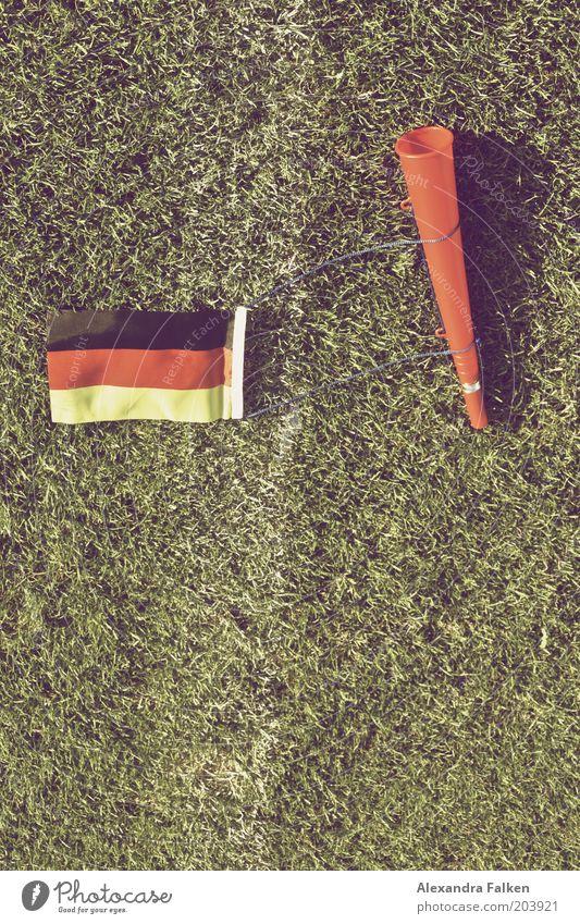 Geht doch... grün Sport Deutschland Schilder & Markierungen Fußball Ball Rasen Fahne Deutsche Flagge Sportrasen Fußballplatz Kampfsport Krach Weltmeisterschaft