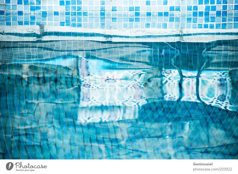Liquid Wasser Sommer Ferien & Urlaub & Reisen kalt Lifestyle Schwimmbad Fliesen u. Kacheln türkis blau Erfrischung Spiegelbild Reflexion & Spiegelung
