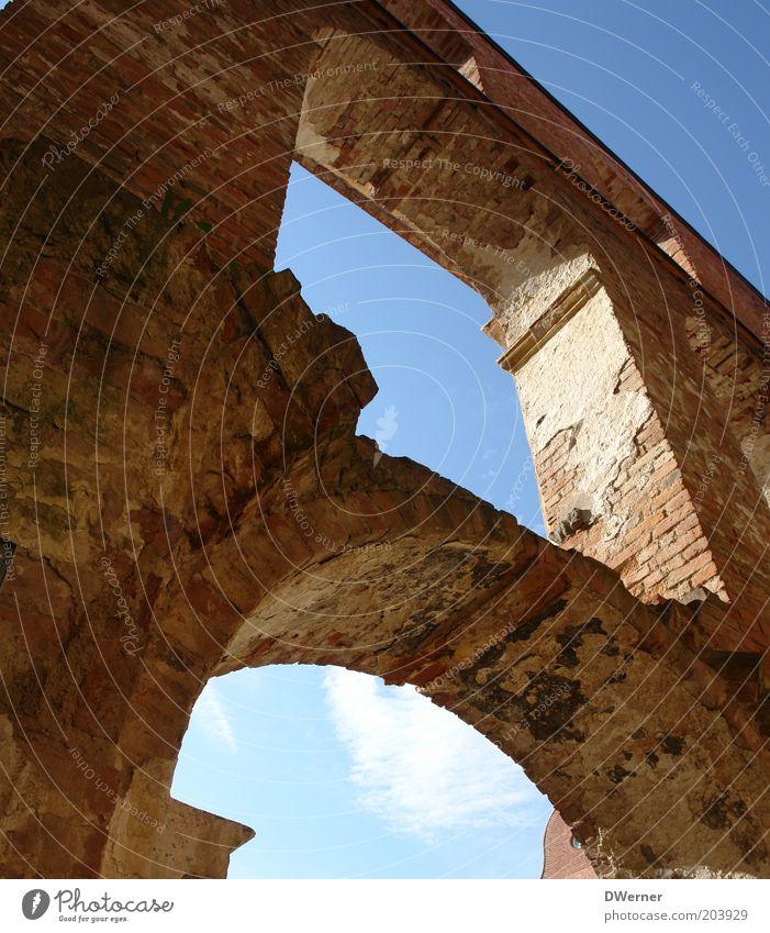 Himmelsfenster alt Himmel Wand Fenster Stein Mauer hell Stimmung Religion & Glaube Kraft Kunst Architektur Beton Fassade Kirche