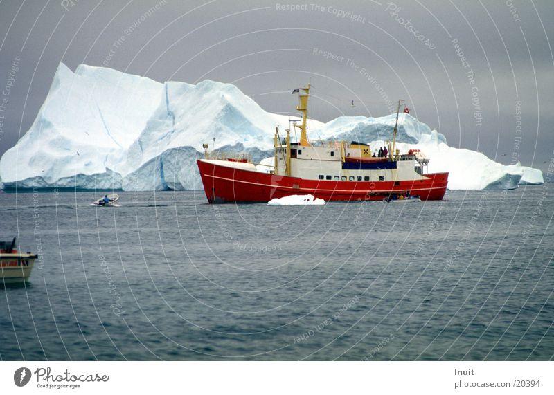 Eisberg 05 Meer kalt Schifffahrt Polarmeer Grönland Arktis