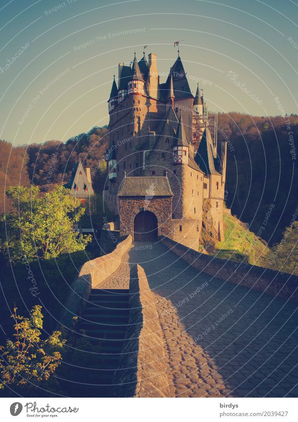 somewhere eltz Natur Ferien & Urlaub & Reisen Wald Berge u. Gebirge Frühling Tourismus ästhetisch Erfolg Kultur historisch Sehenswürdigkeit Burg oder Schloss