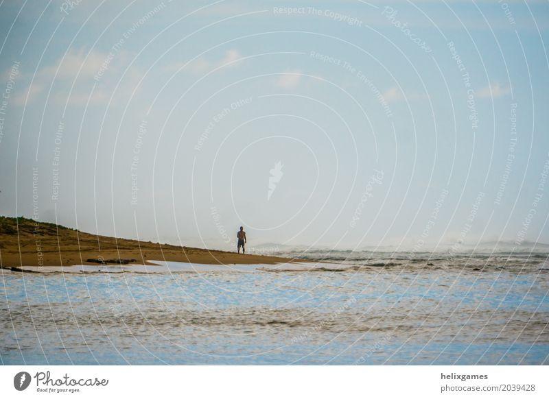 Am Strand spazierengehen schön Ferien & Urlaub & Reisen Sommer Sonne Meer Insel Mensch Mann Erwachsene Natur Sand Himmel Wolken Einsamkeit Hawaii Kauai
