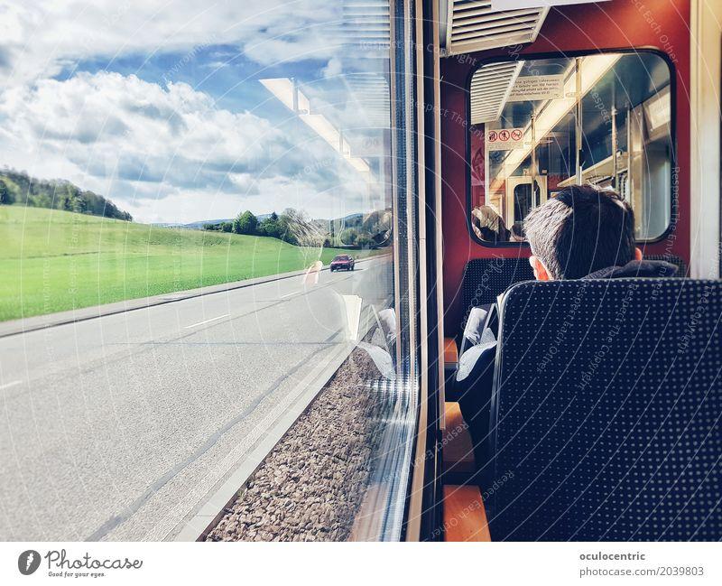 Destination Idylle Bahnfahren Straßenbahn retro blau rot Optimismus Gelassenheit ästhetisch Frieden Sitz Fenster Sommer Frühling Sonnenstrahlen