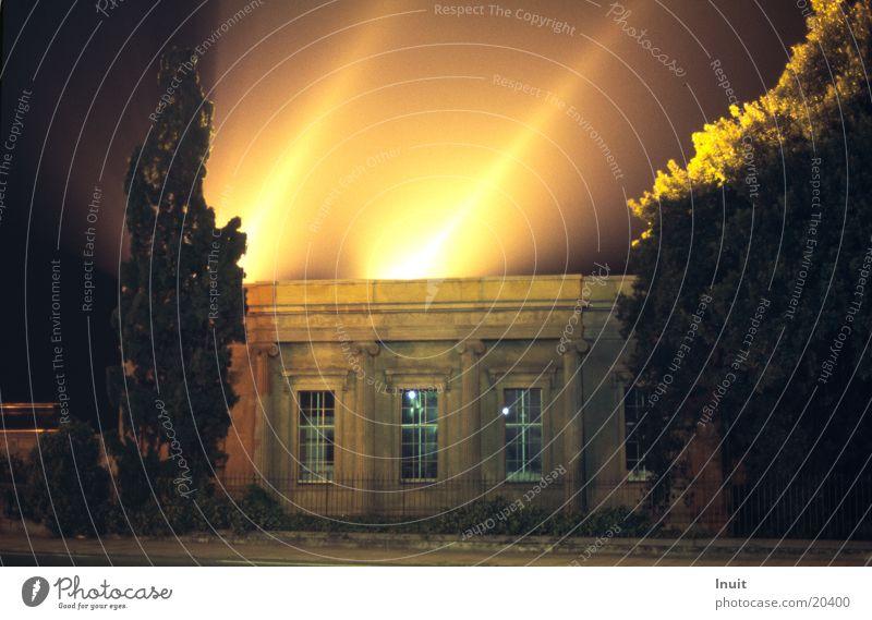 Strahler Lampe Beleuchtung Architektur England Scheinwerfer Nachtaufnahme