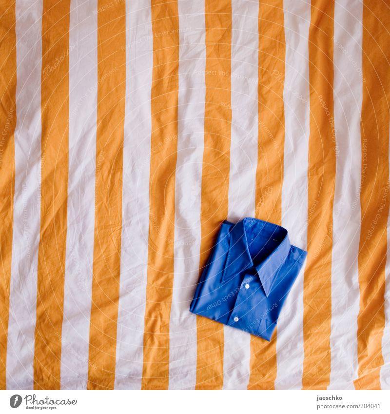 Komplementärfaltung blau gelb orange Mode Bekleidung Ordnung Sauberkeit Streifen Falte Hemd gestreift Strukturen & Formen mehrfarbig Rechteck Bettwäsche Bettdecke