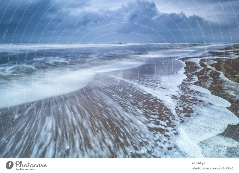 stürmischer Morgen an der Nordseeküste Strand Meer Natur Landschaft Sand Himmel Wolken Horizont Sommer Unwetter Wellen Küste Bewegung blau winken Wasser