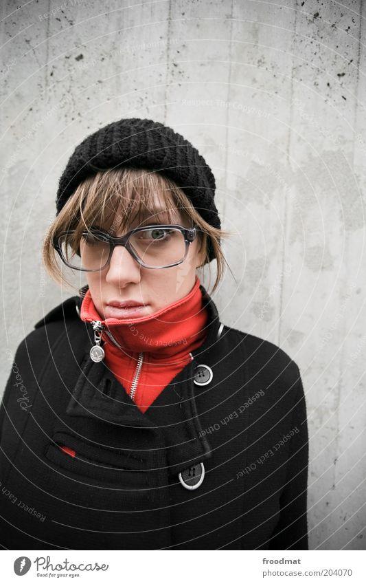nerdyful Frau Mensch Jugendliche schön kalt feminin Mode Erwachsene Lifestyle Coolness Brille natürlich Mütze