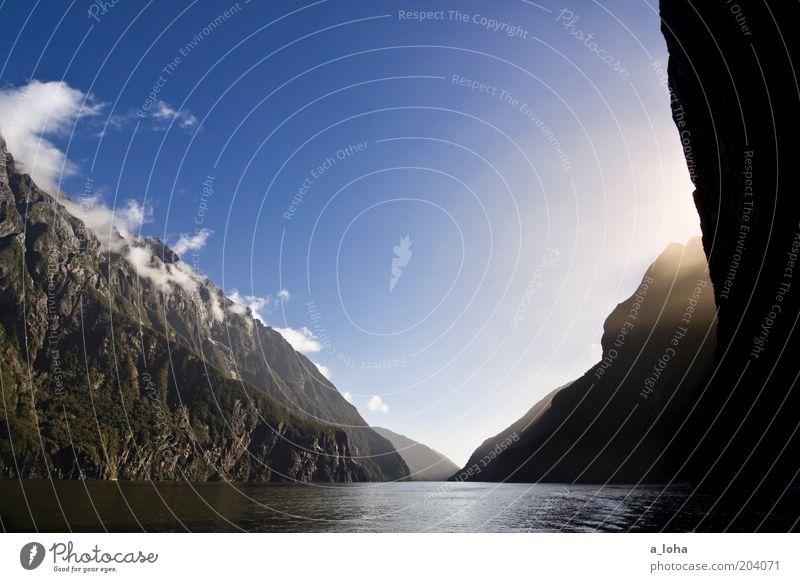 milford sound Natur Wasser schön Himmel blau Ferien & Urlaub & Reisen Einsamkeit Ferne träumen Luft Nebel Felsen hoch Erde rein einzigartig