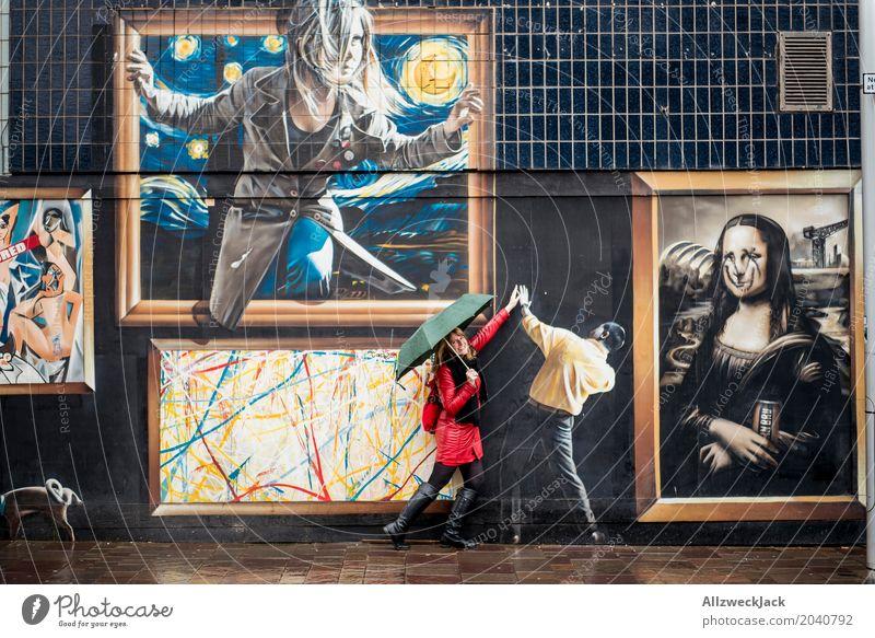 High Five Mensch Frau Ferien & Urlaub & Reisen Jugendliche Junge Frau Stadt Freude 18-30 Jahre schwarz Erwachsene Lifestyle Graffiti feminin Kunst Tourismus