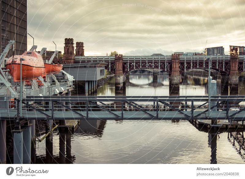 Glasgow Brücke 1 Schottland Wasser Fluss Reflexion & Spiegelung Sonnenuntergang Abend Wolken Beiboot Wasserfahrzeug Aussicht clyde