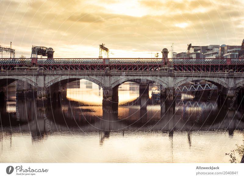 Glasgow Brücke 3 Schottland Wasser Fluss Reflexion & Spiegelung Sonnenuntergang Abend Wolken Aussicht Clyde Panorama (Aussicht)