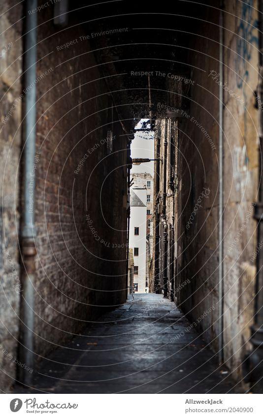 dunkle Gasse Stadt Stadtzentrum Altstadt Menschenleer Architektur Mauer Wand alt dunkel gruselig Durchgang eng Altertum Schottland Edinburgh schmal Farbfoto