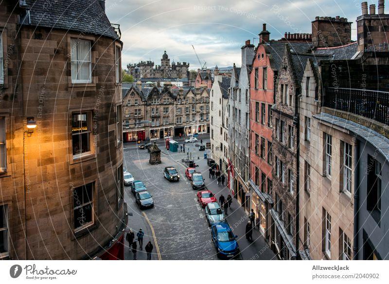 Victoria Street Evening Ferien & Urlaub & Reisen Tourismus Städtereise Edinburgh Schottland Hauptstadt Stadtzentrum Altstadt Fußgängerzone bevölkert Haus