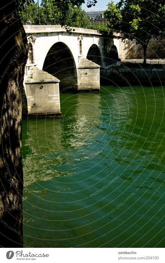 Seine seineufer Brücke seinebrücke Wasser Fluss fließen Paris Frankreich Hauptstadt Sommer Ferien & Urlaub & Reisen Reisefotografie