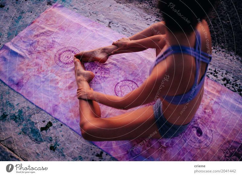 Mensch Frau Jugendliche Junge Frau Sommer Erholung 18-30 Jahre Erwachsene Lifestyle Gesundheit Sport feminin Gesundheitswesen rosa Freizeit & Hobby Körper