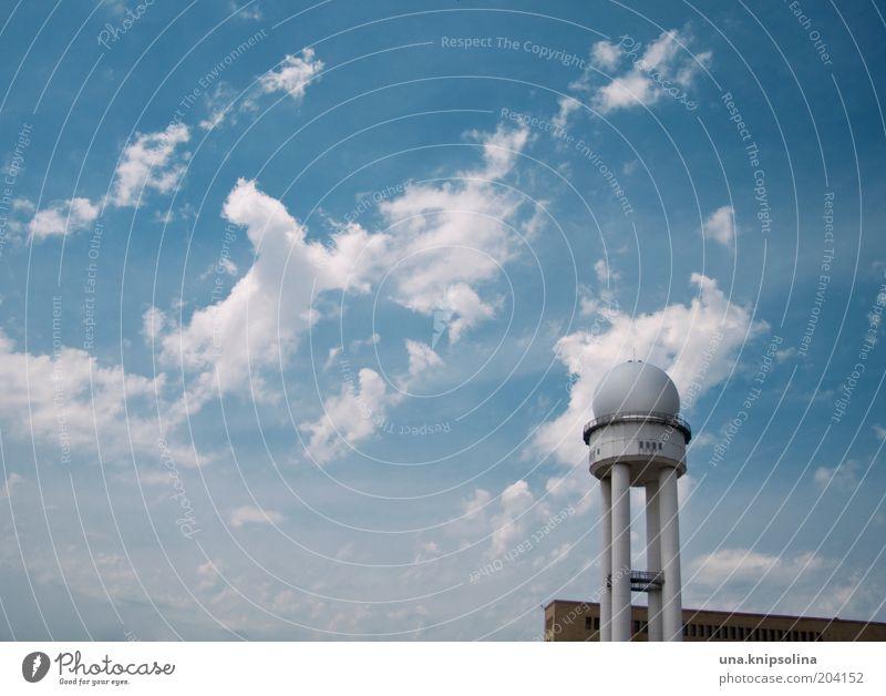 tempelhof Himmel Wolken Berlin Architektur Schönes Wetter Luftverkehr rund Flughafen Flugplatz
