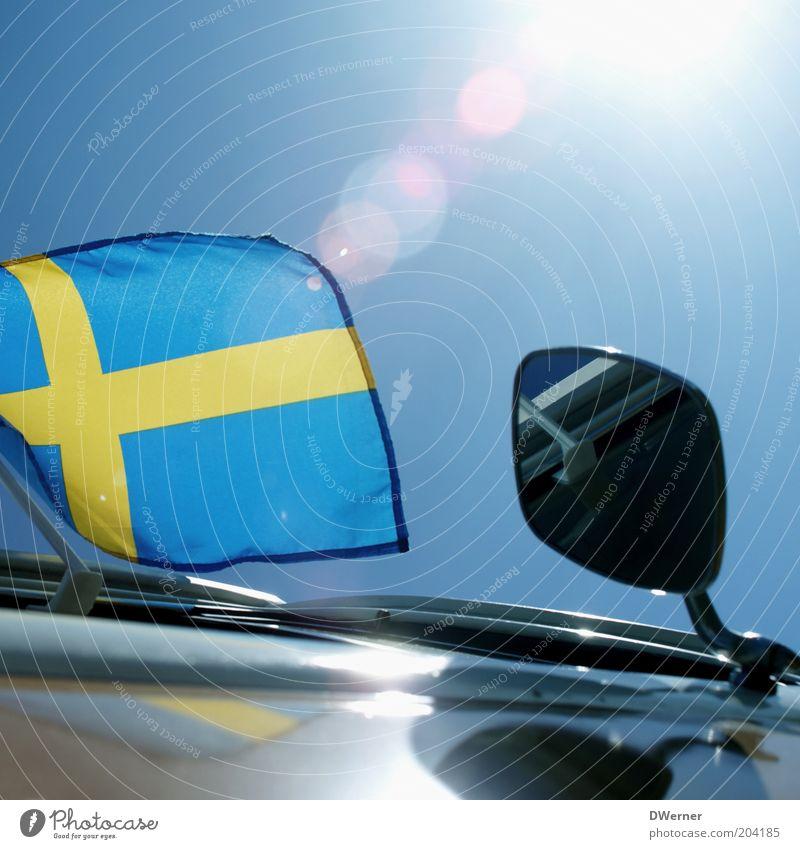 für alle Schwedenfans! Stil Dekoration & Verzierung Umwelt Himmel Schönes Wetter Wind Oldtimer glänzend schön blau Gefühle Stimmung Fahne Spiegel Autofahne