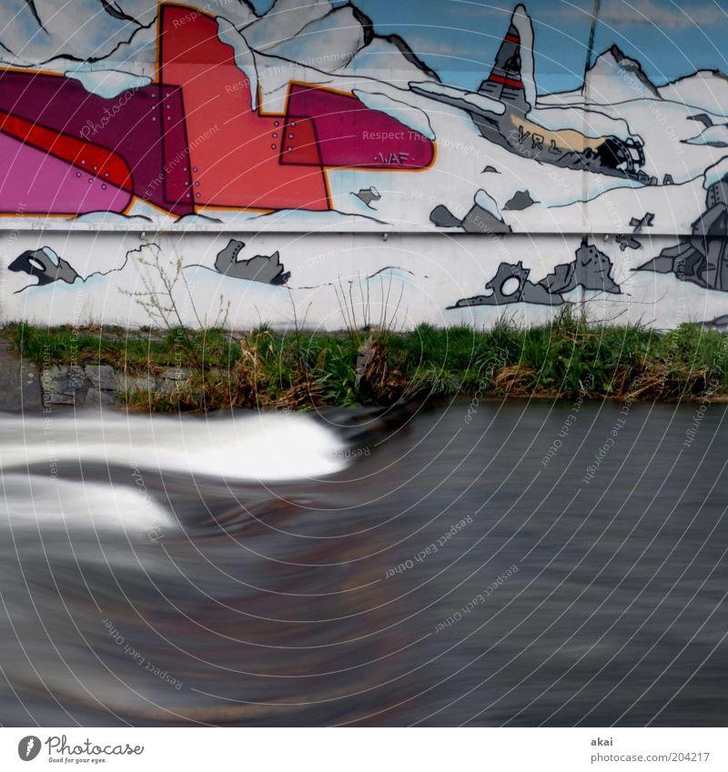 Freiburg Wasser Bach Fluss blau grau rot Freiburg im Breisgau Außenaufnahme Tag Bewegungsunschärfe Graffiti Straßenkunst Flussufer Schnee Berge u. Gebirge