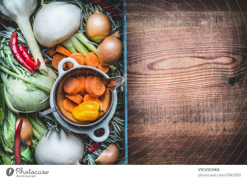 Frisches saisonales Bio-Gemüse für gesundes Essen und Kochen Lebensmittel Ernährung Bioprodukte Vegetarische Ernährung Diät Lifestyle Stil Design Garten Natur