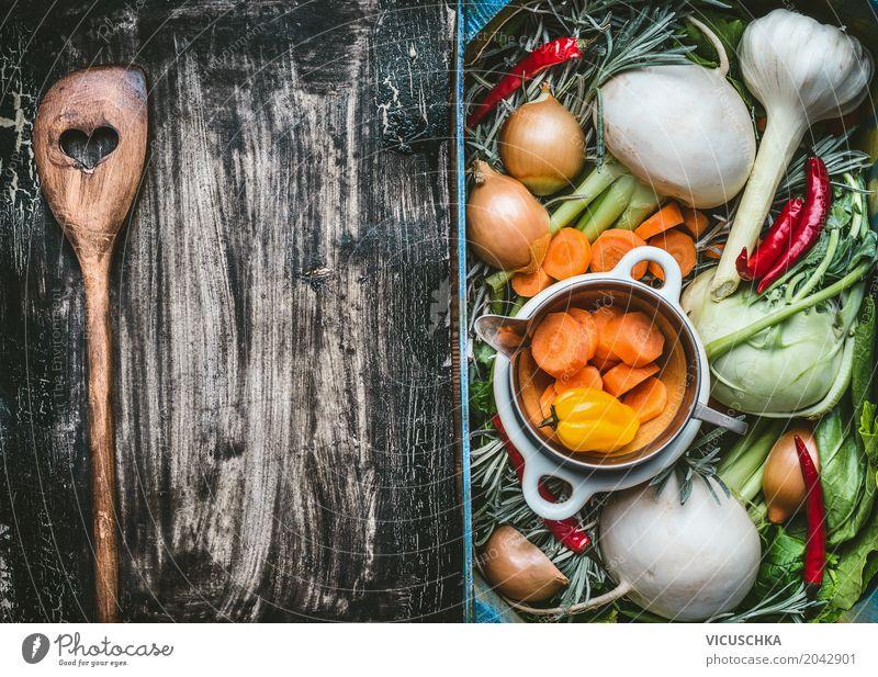 Kochlöffel und frisches Gemüse vom Garten Lebensmittel Ernährung Bioprodukte Vegetarische Ernährung Diät Löffel Stil Design Gesunde Ernährung Sommer Tisch Küche