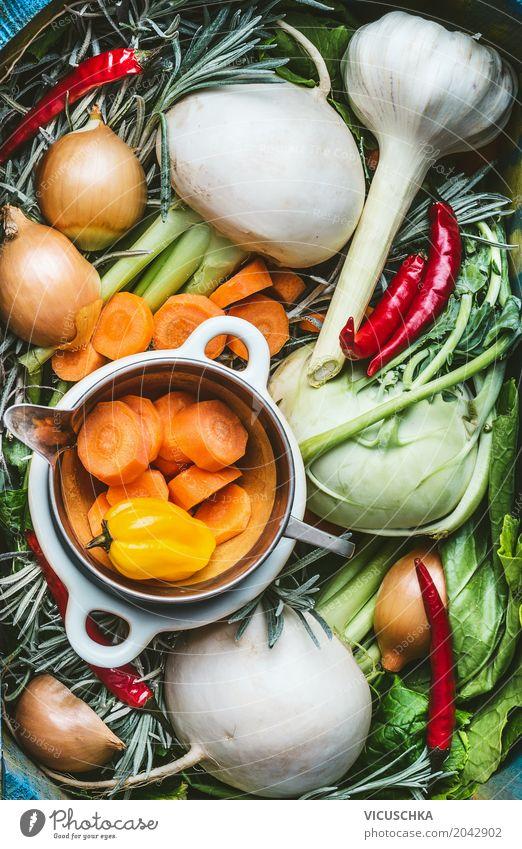 Saisonale regionale Gemüse Zutaten Lebensmittel Salat Salatbeilage Ernährung Mittagessen Abendessen Bioprodukte Vegetarische Ernährung Diät kaufen Stil Design