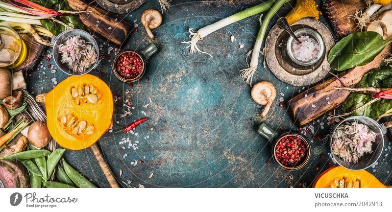 Saisonales Kochen mit Gemüse, Kürbis und Pilze Gesunde Ernährung Winter Foodfotografie Leben gelb Herbst Gesundheit Stil Lebensmittel Design Tisch