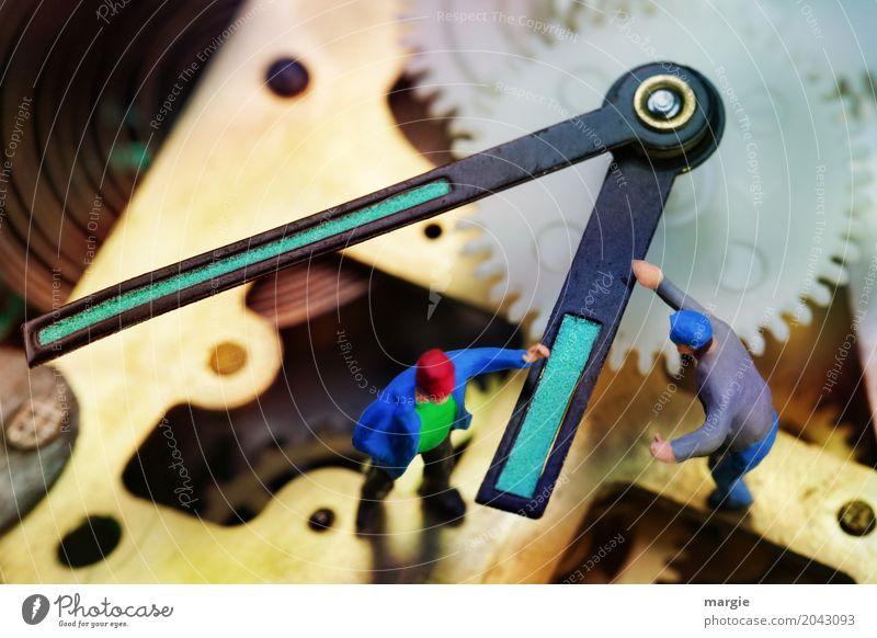 Miniwelten - Drehen an der Zeit Modellbau Handwerker Arbeitsplatz Büro Messinstrument Uhr Technik & Technologie Mensch maskulin Mann Erwachsene 2 mehrfarbig