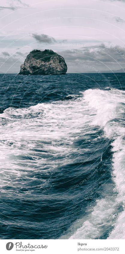 eine Ansicht vom Boot und von Gebirgshintergrund des pazifischen Ozeans Himmel Natur Ferien & Urlaub & Reisen blau Sommer schön weiß Landschaft Meer Wolken