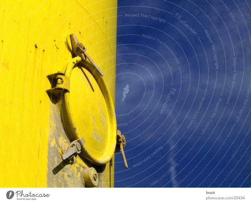 Silo gelb Luke Elektrisches Gerät Technik & Technologie Himmel blau Mörtelsilo Kontrast Tür