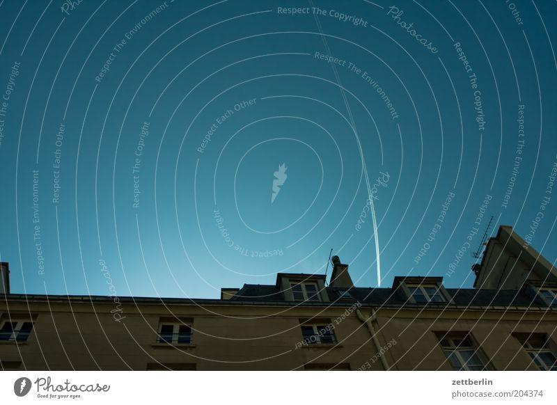 Marais Himmel blau Ferien & Urlaub & Reisen Haus Fassade Reisefotografie Paris Frankreich Schönes Wetter Natur Kondensstreifen Wolkenloser Himmel Städtereise